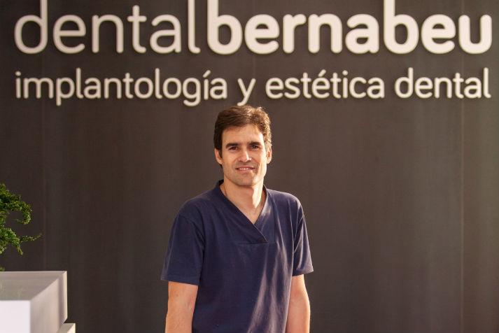 Dr Borja Bernabeu